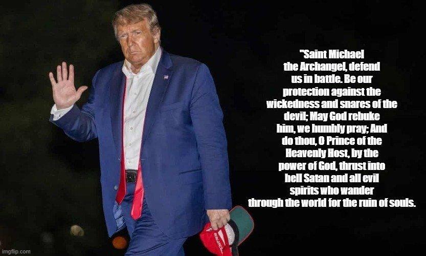 Meme-Trump-tired-in-battle-Popes-prayer